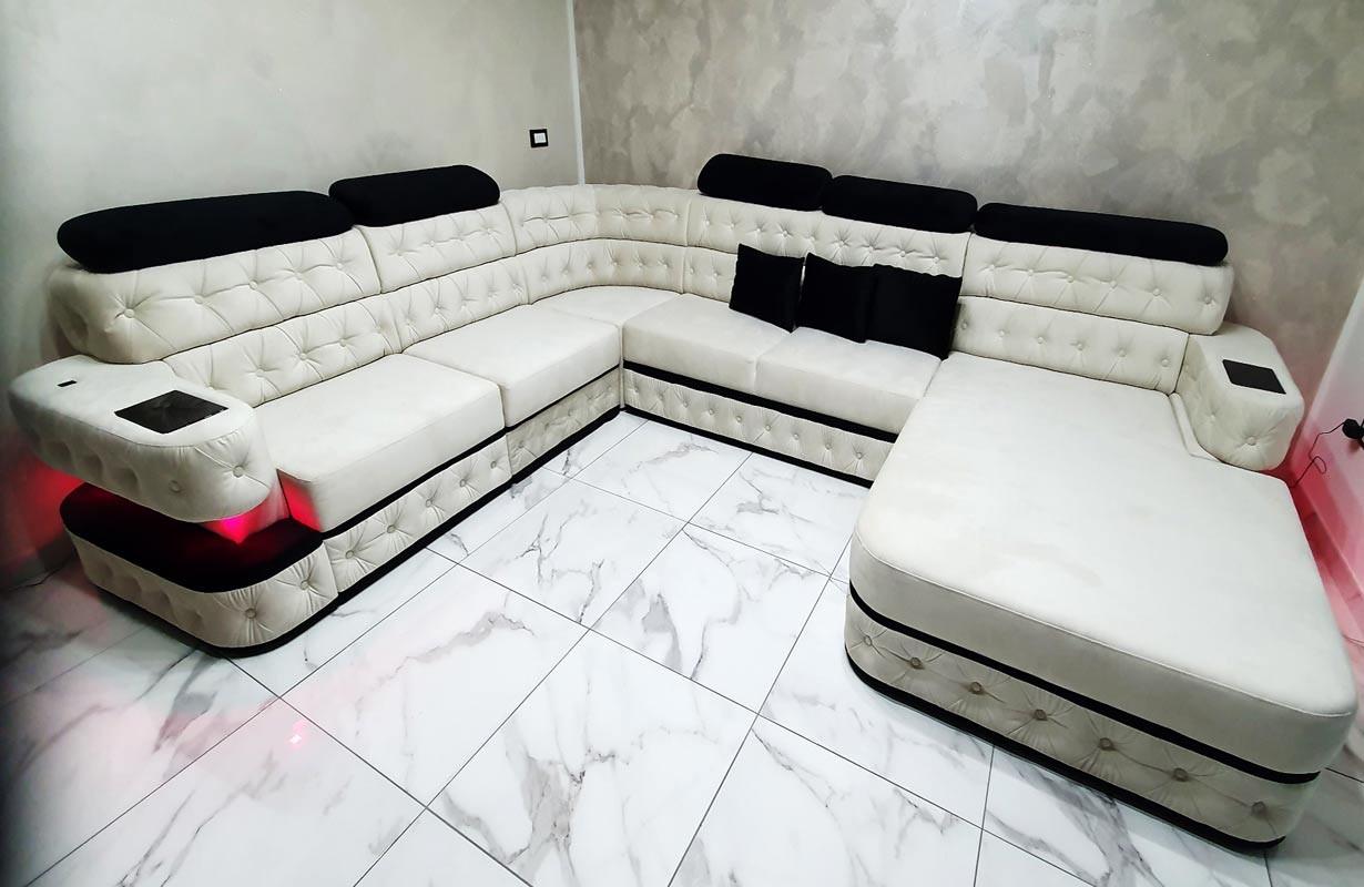 Grand canapé en cuir italien avec éclairage LED et port USB