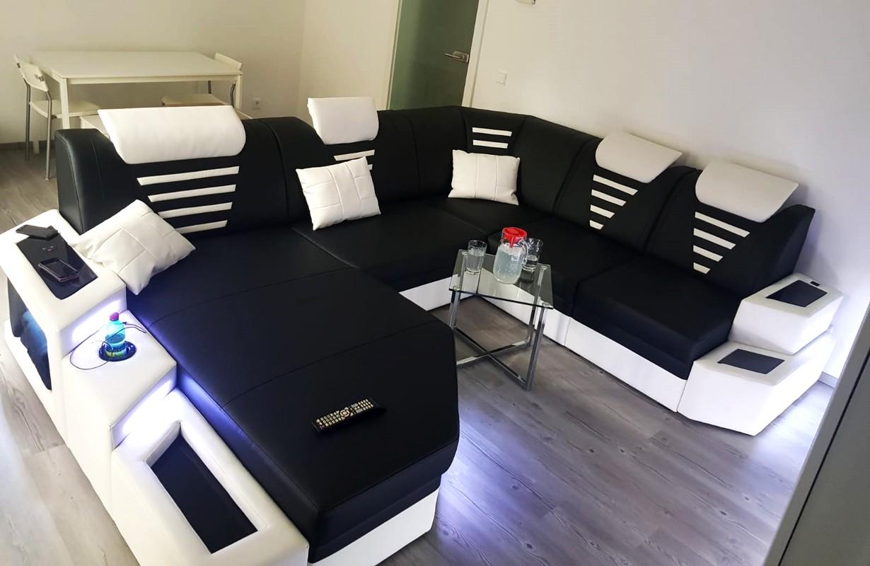 Canapé noir/blanc avec éclairage LED et port USB